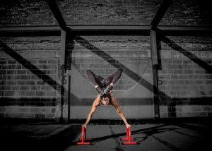 9 façons pour vous servir des exercices aux parallettes pour renforcer votre corps